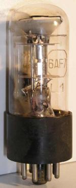Octal  8 pin Poids : 34 grammes Hauteur : 8.8 cm diamètre :3.2 cm