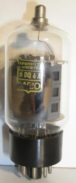 Miniwatt Dario Octal 8 pin   1 thick Poids : 43 grammes Hauteur max : 10.2 cm Diamètre max : 3.8 cm