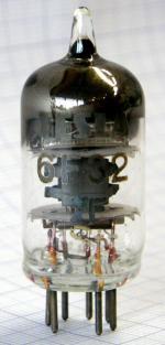 6F32 TESLA. Entspricht weitgehend der EF95