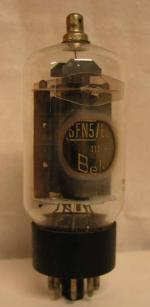 Belvu  Octal  8 pins   1 thick Poids : 47 grammes Hauteur : 10.8 cm Diamètre : 3.8 cm