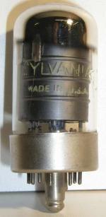 SYLVANIA   LOCTAL  8 pin Poids : 29.3 grammes Hauteur : 7 cm Diamètre : 3 cm