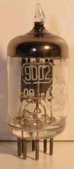 GENERAL ELECTRIC  Miniature 7 pin Poids : 5.6 grammes Hauteur max : 4.4 cm Diamètre : 1.8 cm