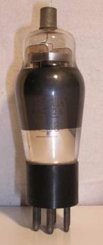 Visseaux Radio  Culot ancien Américain  6 pin   1 Thick Poids : 37.8 grammes Hauteur : 12.2 cm (avec pin   thick) Diamètre : 3.8 cm
