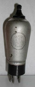 VALVO Radio  Culot ancien Européen  6 pins   1 thick Poids : 66 grammes Hauteur : 14.5 cm (avec pins   thick) Diamètre : 4.8 cm