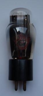 82  4pins NEOTRON diamètre 45mm Hauteur 105mm sans les pins