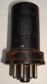 6AC7 RCA Hauteur 64 mm Diamètre 25mm