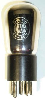 Metal Mazda  Culot ancien Européen  7 pin Poids : 52 grammes Hauteur : 11.3 cm (avec pin) Diamètre : 4.55 cm