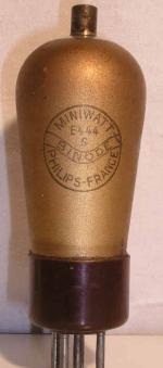 Miniwatt Philips  culot ancien Européen 5 pin   1 thick Poids : 42.5 grammes Hauteur : 12.8 cm (avec pin   thick) Diamètre : 4.4 cm