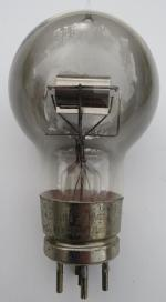 Lampe Bigrille d'émission 45W, avec culot Bigrille Raumladegittersenderöhre 45W, mit Bigrille Sockel (B5 gross)