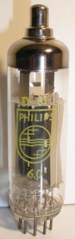 Philips Poids : 15 grammes Hauteur max : 8 cm Diamètre : 2 cm