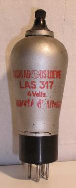 Loewe-(Opta) Culot Ancien Européen  5 pins   1 thick Poids : 68 grammes Hauteur : 15 cm Diamètre : 5 cm