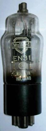 A Mullard EN31 valve