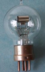 E Philips Triode valve