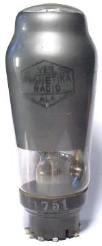 VEB Phonetika Radio später Stern-Radio Berlin, vormals Loewe (OPTA) ist Hersteller.
