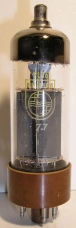 Philips  octal  7 pin   1 thick Poids : 41 grammes Hauteur : 10.6 cm Diamètre : 3.2 cm