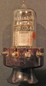 Lorenz RL2,4T1, Datum auf Röhre 28.03.43. Stempel am Sockel 12/43.