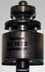 RS1023 von Siemens, luftgekühlte Sendetriode mit Koax-Sockel.