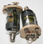 Röhre mit Sockel aus hochwertigem Isolationsmaterial und mit Gitterableitwiderstand 120MOhm, für Kondensatormikrofone.