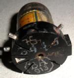 Röhre RV12P2000, Stempelung BA913, Ritzung am Sockel '76' und '5', sonstige Kennung nicht zu ermitteln.