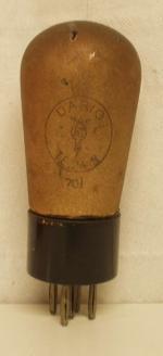 Dario  Culot Ancien Européen  5 pins Poids : 41 grammes Hauteur : 11.3 cm (avec pins) Diamètre : 4.5 cm