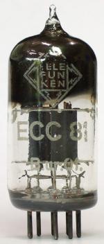 ECC81 in früher Ausführung. Code ur = August 1952, Produktion Berlin.