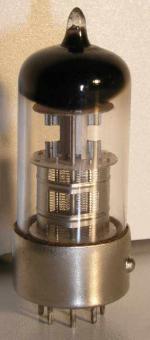 RT  Rimlock  8 pin Poids : 14 grammes Hauteur : 5.3 cm (avec pin) Diamètre max : 2.2 cm