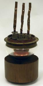 Picture of an RCA 5762/7C24 high power tube.