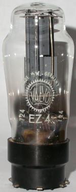 Valvo-Version mit langen Anodenblechen, wohl Nachkriegsfertigung. ### Mit EZ81 - System ! [JR 17-01]