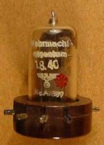 RL 2,4 T1, Wa.A. 389, Lorenz, Wehrmachteigentum, 31.8.40, Sockel: 17/40
