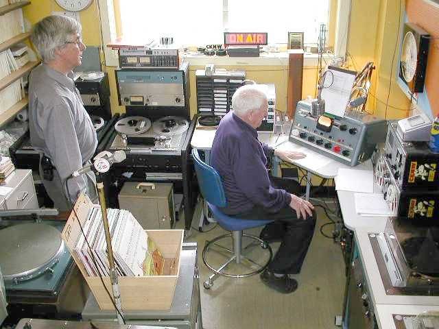 On airplanes radio canada amateur