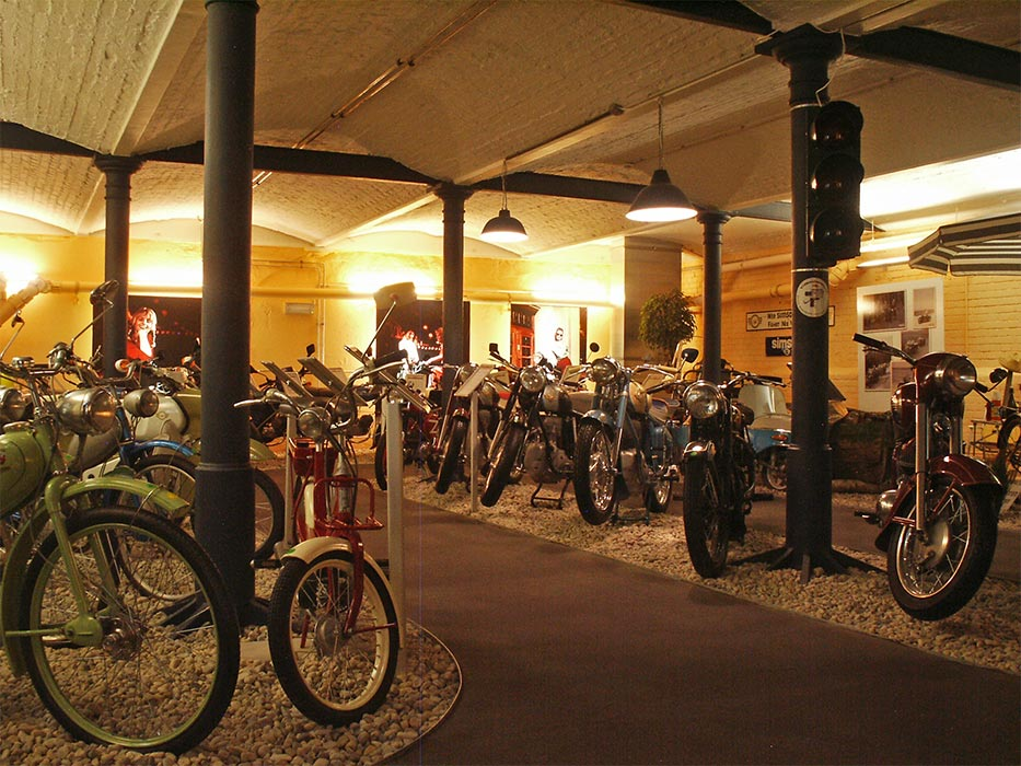 erstes berliner ddr motorrad museum museum finder guide. Black Bedroom Furniture Sets. Home Design Ideas