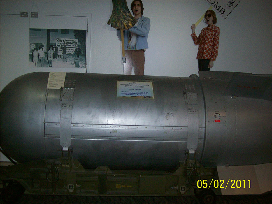 a history of nuclear weapon in united states of america History of us nuclear arms  the nuclear warheads of united states of  america are stored in some 21 locations, which include 13 us states and 5  european.