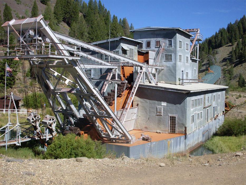 Yankee Fork gold dredge :: Museum Finder, Guide, Radio, tech