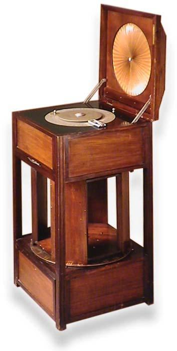 http://www.radiomuseum.org/zz_img/rgv0668_F_1928_Gaumont_Elge_g.jpg